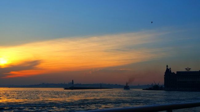 Getting In Touch Haydarpasa Sunset #sun #clouds #skylovers #sky #nature #beautifulinnature #naturalbeauty #photography #landscape