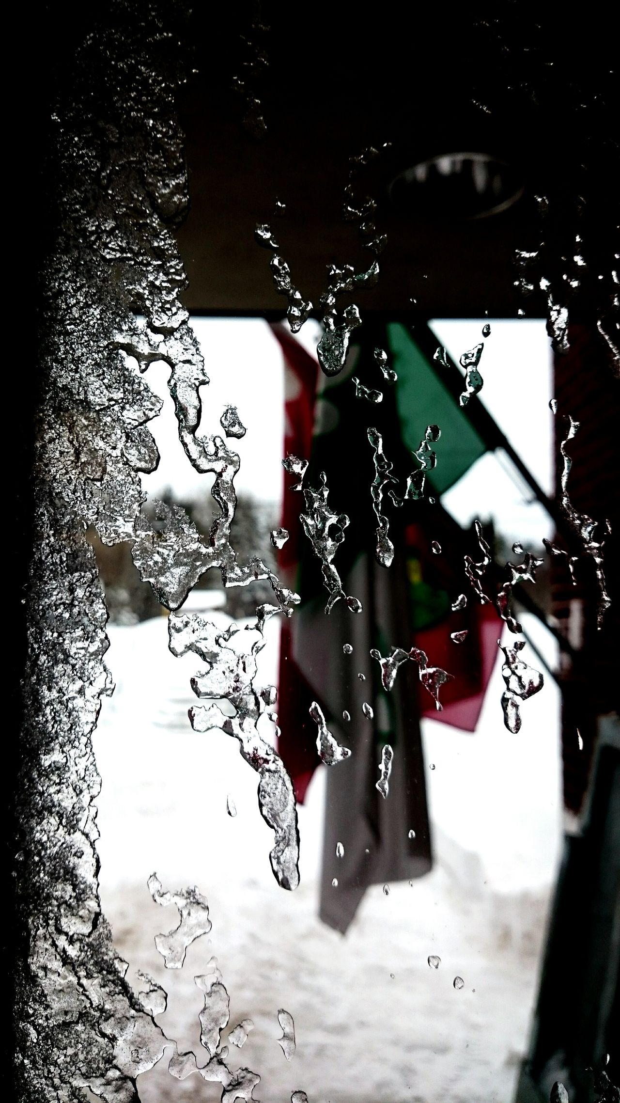 ...icy window (the flags)... Icy Window Flags Flags In The Wind  Freezing Cold Freezing ❄ Sony Xperia From A Window The World Outside Wintertime Beautiful World Look Outside ❄ Canadian Flag
