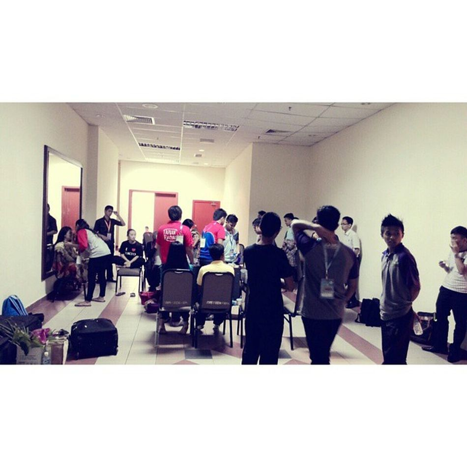 take turn to do their touch up by us For Tonite Event