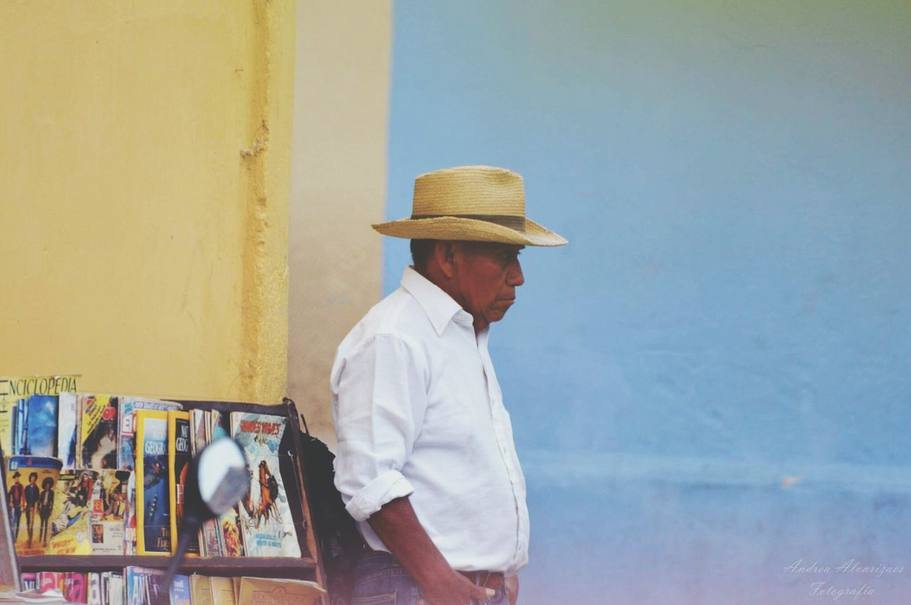 Guatemala Guatelinda Elarco Chapin Antigua Guatemala Chapines Lifeisgood Chapinlandia One Man Only Goodmen Happiness Photo Of The Day