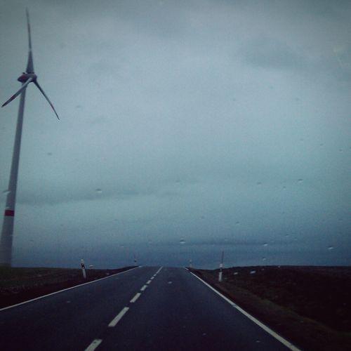 Windstilleinsame Straßen Melancholic Landscapes Street Streethome Frommycar Raindrops Drivebyphotography Traveling