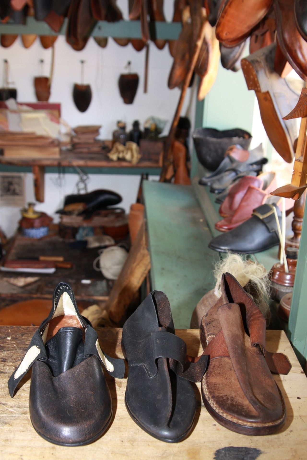 Other People's Shoes Colonial Williamsburg Historical Places ! Shoes from colonial times.