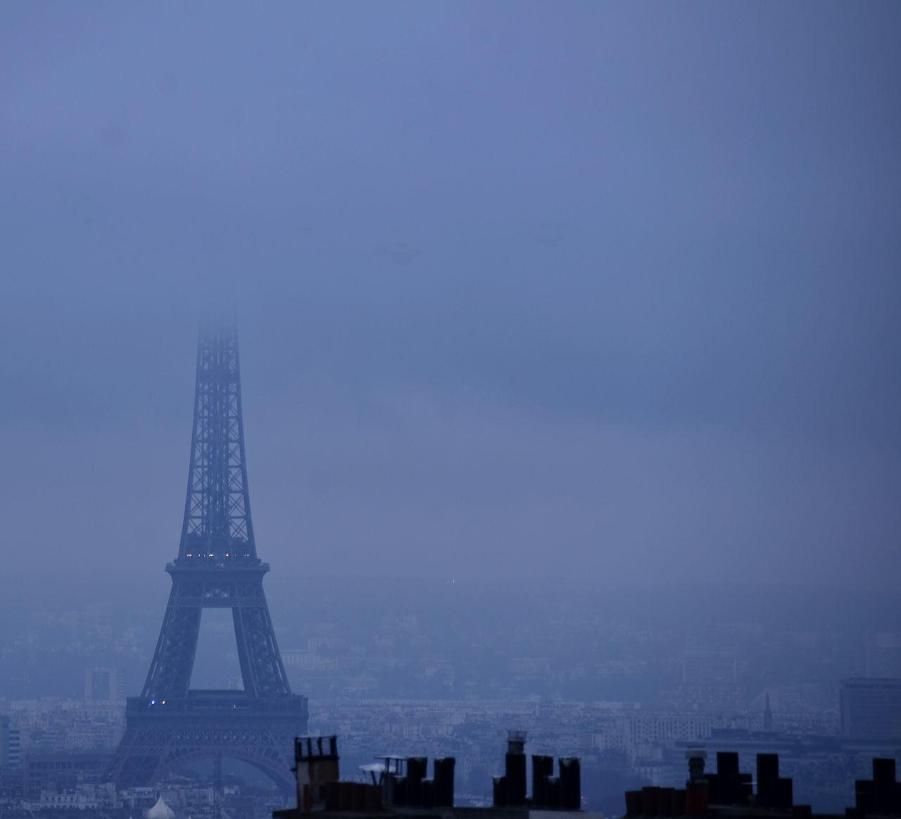 Brume Building Exterior Cheminées City Cityscape Cultures Eiffel Tower No People Outdoors Rooftop Sky Toits De Paris Tourism Travel Destinations Urban Skyline