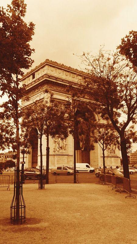 Architecture Tourism City Life Modern Famous Place Paris Je T Aime París In Sepia Paris ❤ Arco Del Triunfo
