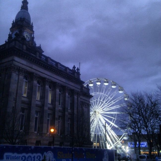 Ferriswheel Bolton Towncentre Townhall lancashire