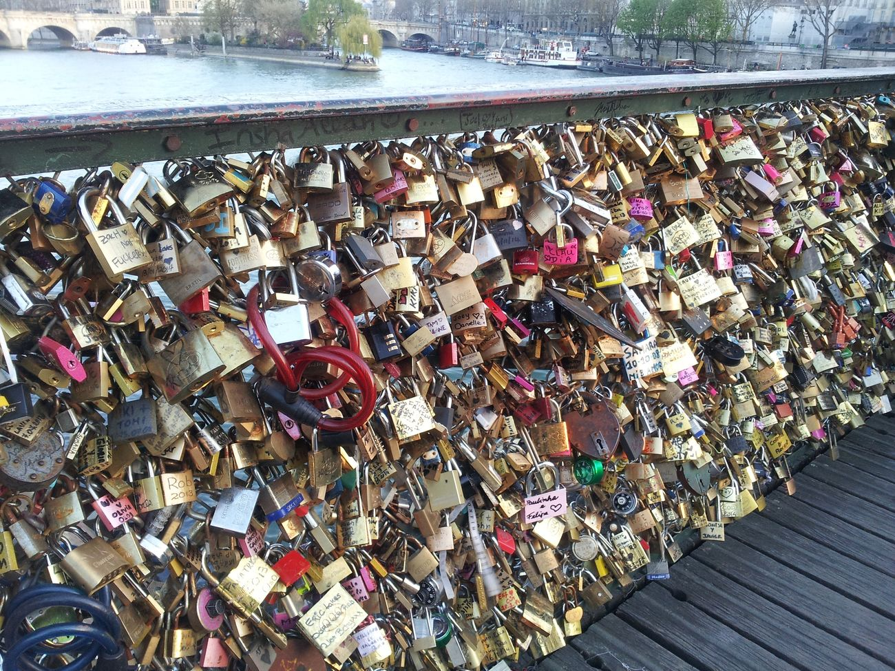 Abondance Bridges Close-up Full Frame La Seine Lock Love ♥ Metal Metalhead Metallic Padlock Pont Des Arts Paris Love Locks Bridge Souvenirs