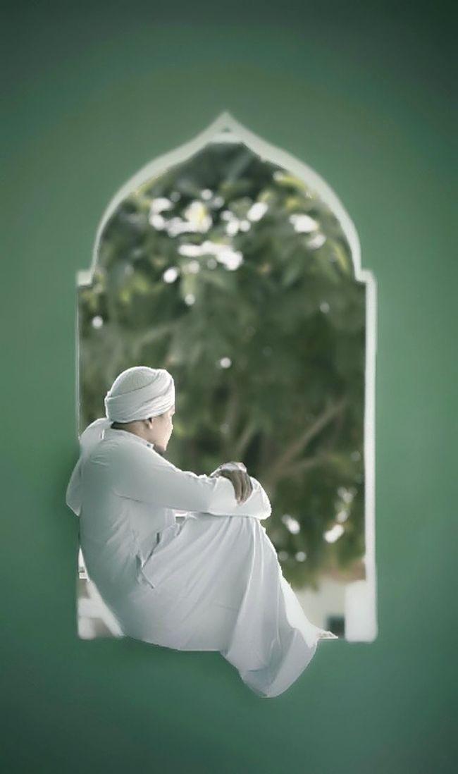 frame masjid window