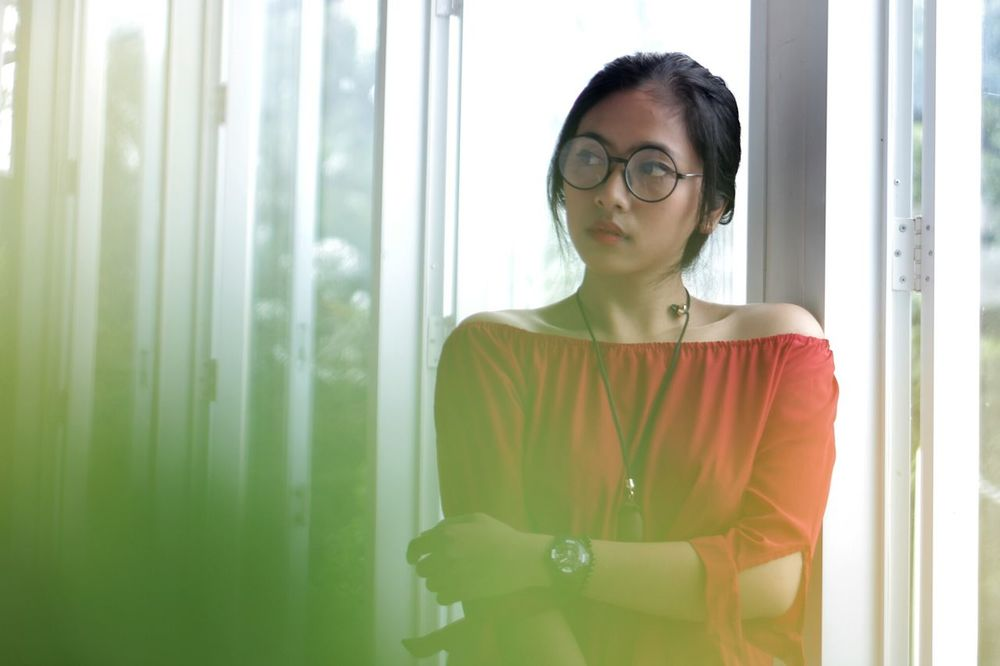 Window Business Finance And Industry Indoors  Eyeglasses  Contemplation Office Looking Through Window One Woman Only Business Businesswear Only Women Wireless Technology Businesswoman One Person Young Adult People Portrait Portrait Of A Woman
