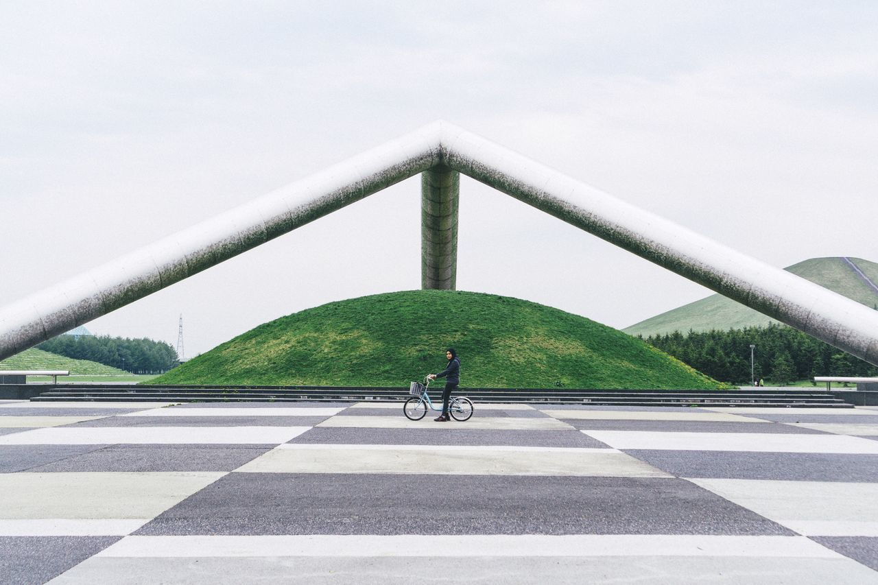 Beautiful stock photos of fahrrad, real people, architecture, lifestyles, day