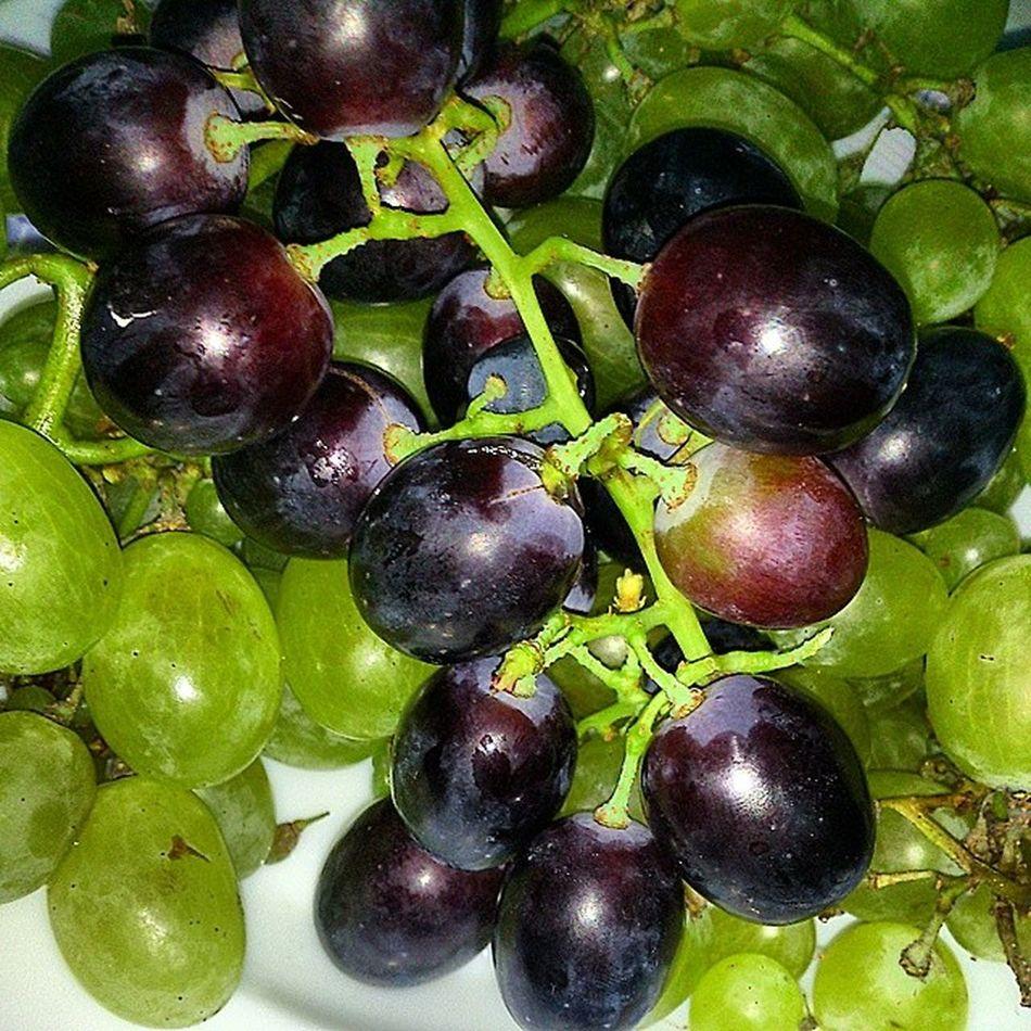Grapes Fruits عنب  فواكه