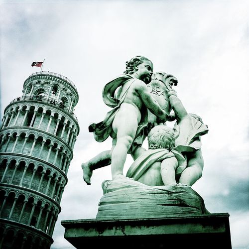 Will he stop the Tower Of Pisa from falling? Seeing The Sights Angel TowerrHistorical BuildinggWorld HeritageeSplendiddArchitectureeMonumentssEye4photography yEyeEm Italyy