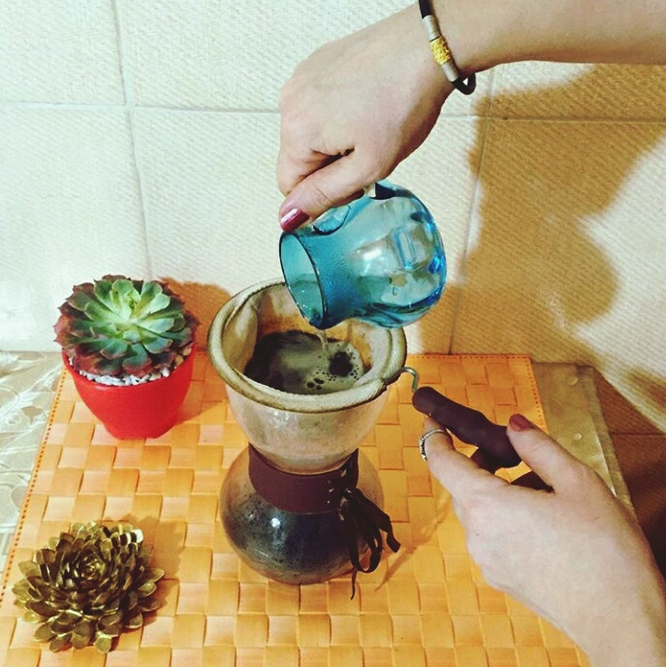 Only you can find your peace💙 Sahar Chemex Iran Iranian Girl Coffee Find Peace You Iranian That's Me! Make Coffee Chemexcoffee Iran♥ Vscocam IPhoneography PhonePhotography Eyemphotography Good Times Smile Happy