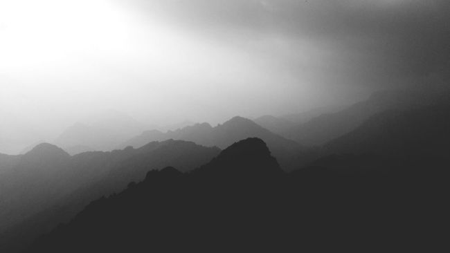 Shadows peaks transport you into dreams Mountains Mountain Peak Peaks Shadows Blackandwhite Photography EyeEm Nature Lover EyeEm Gallery Greyscale Mountains And Sky In The Nature
