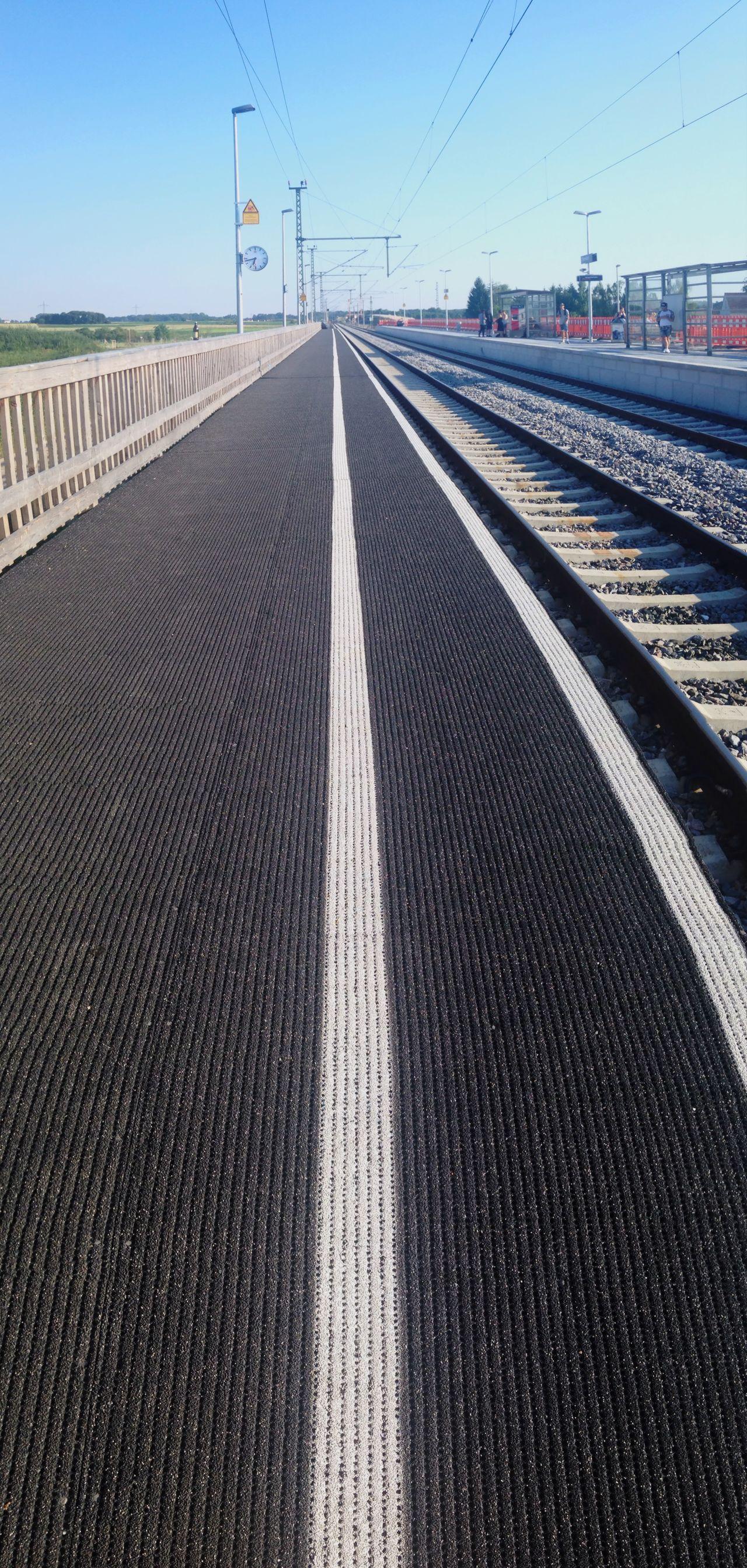 Straight path Railway Erlangen