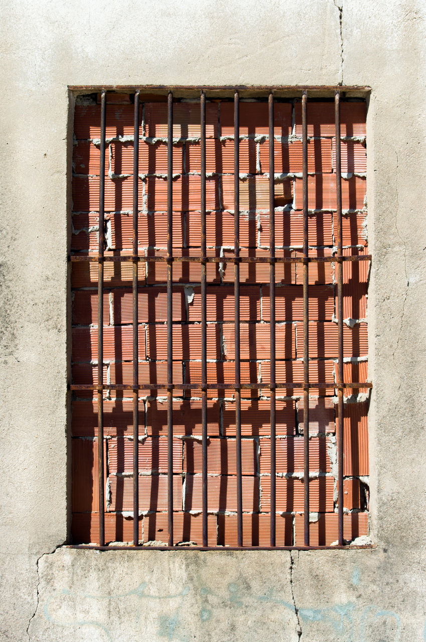 architecture, built structure, no people, window, day, brick wall, building exterior, pipe - tube, outdoors, metal grate
