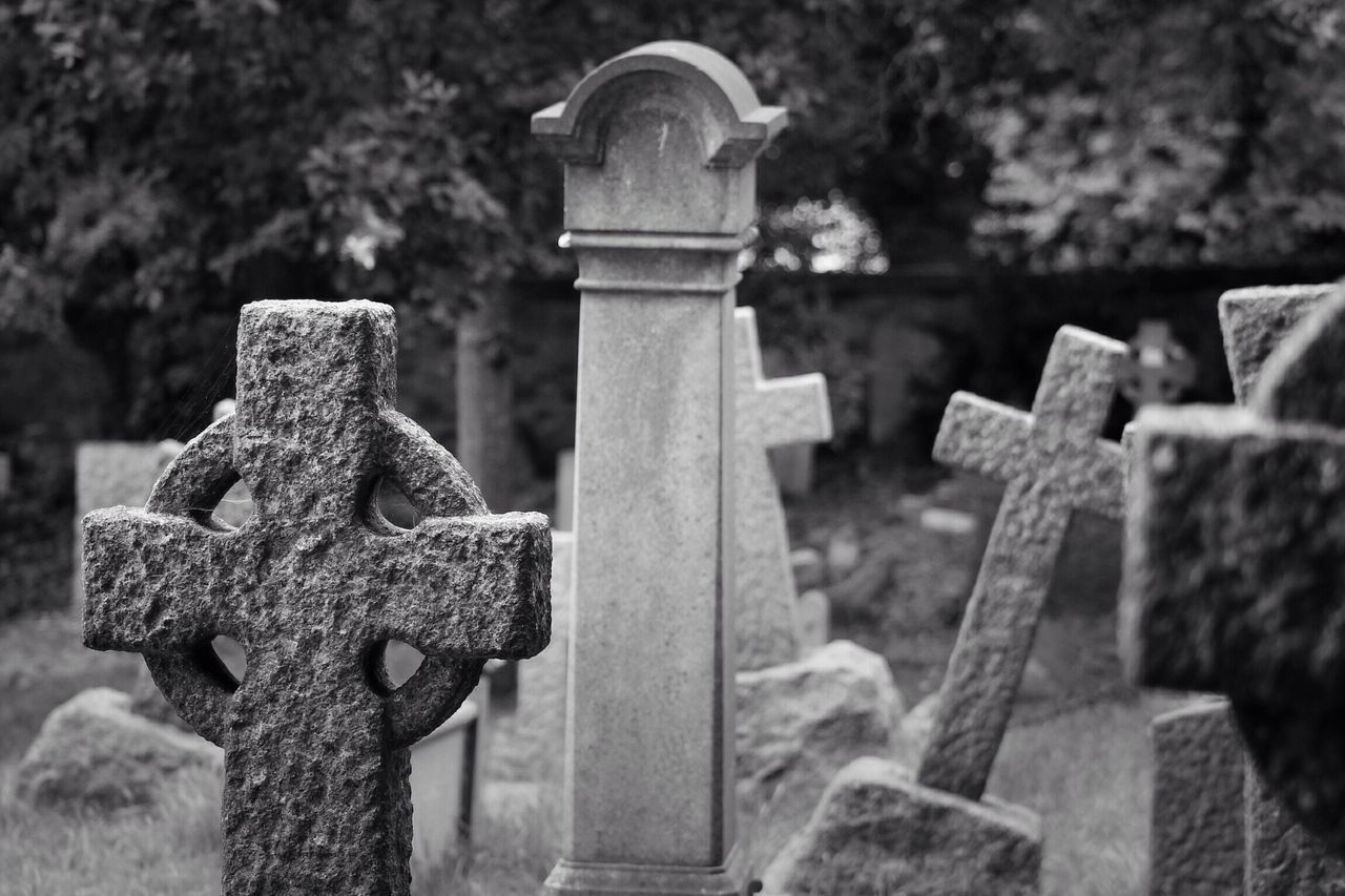 Cemetery Tombstone Stone Material Outdoors Memorial Close-up Sunlight Grave Day Cross No People Graveyard Canon Black & White Creative Photography Graveyard Beauty Canonphotography Burial Ground Churchyard South West London
