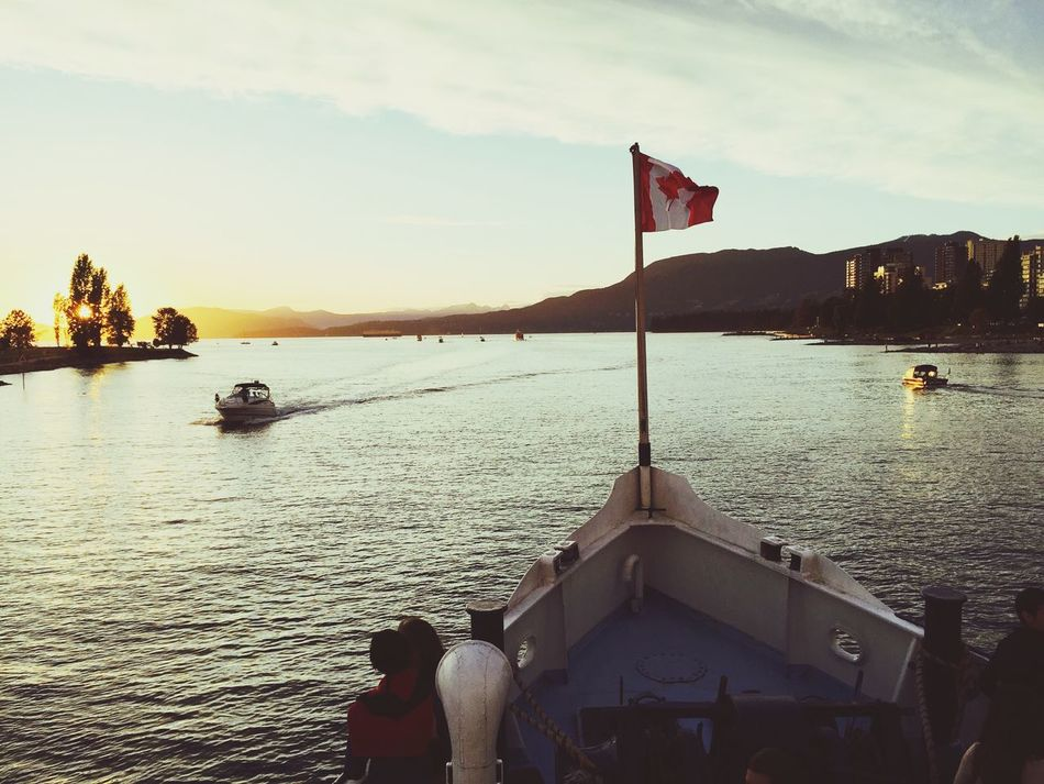 Hanging Out That's Me Enjoying Life Canada Vancity Vancouver Sunset MyCity❤️ Sunset_collection Onelasttime Boat Flag