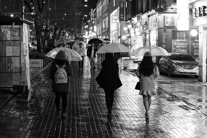 After Rainy Day Richtone Three Ladies Monochrome Blackandwhite Nightphotography Carl Zeiss Planar 85/1.4 EyeEm Korea Seoul, Korea Snapshot