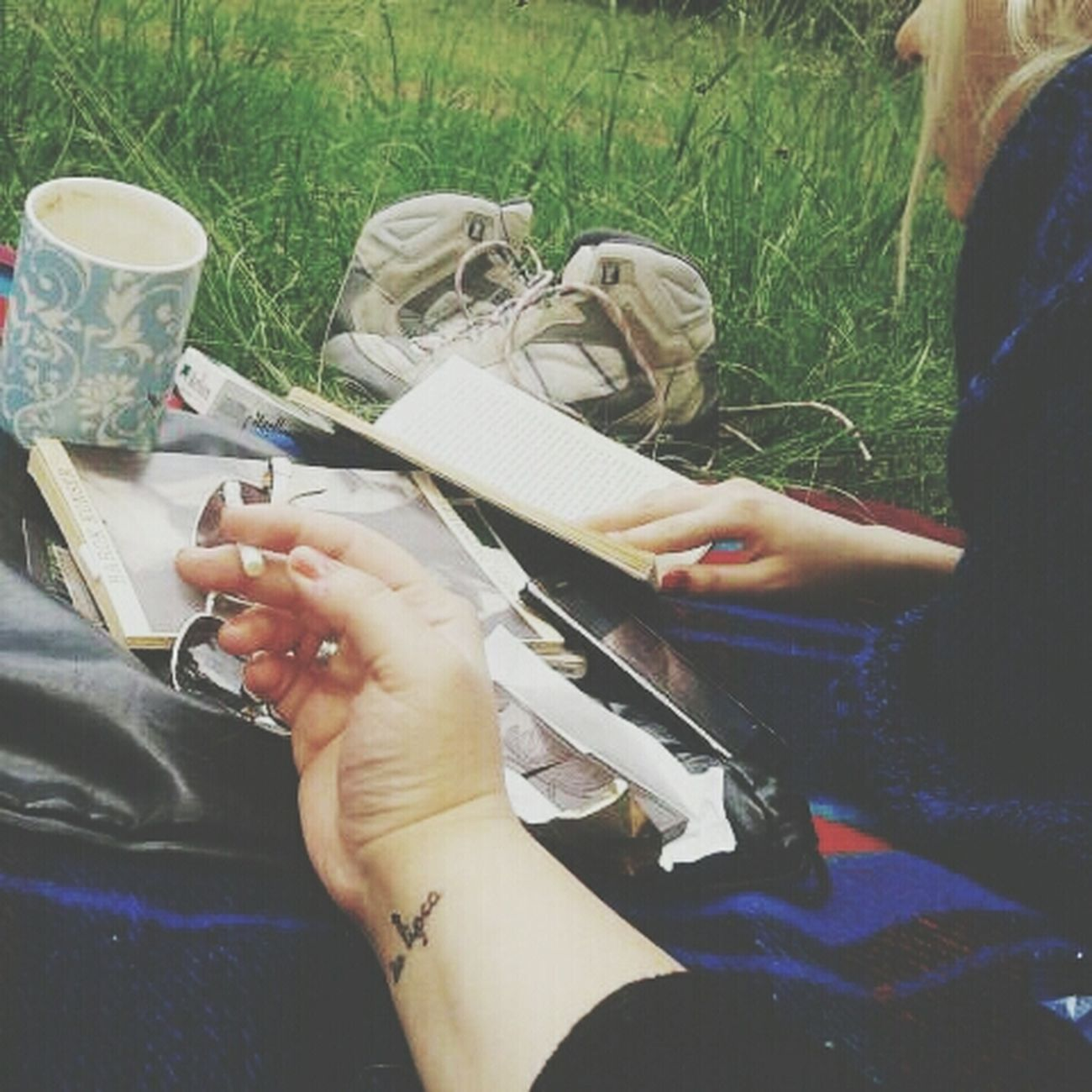 Reader Peaceinforest Coffeeandcigarette Cantforgetyou