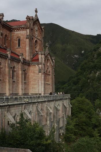 Asturias Paraiso Natural🌿🌼🌊🌞 Church Mountain Picos De Europa Santuario De Covadonga SPAIN