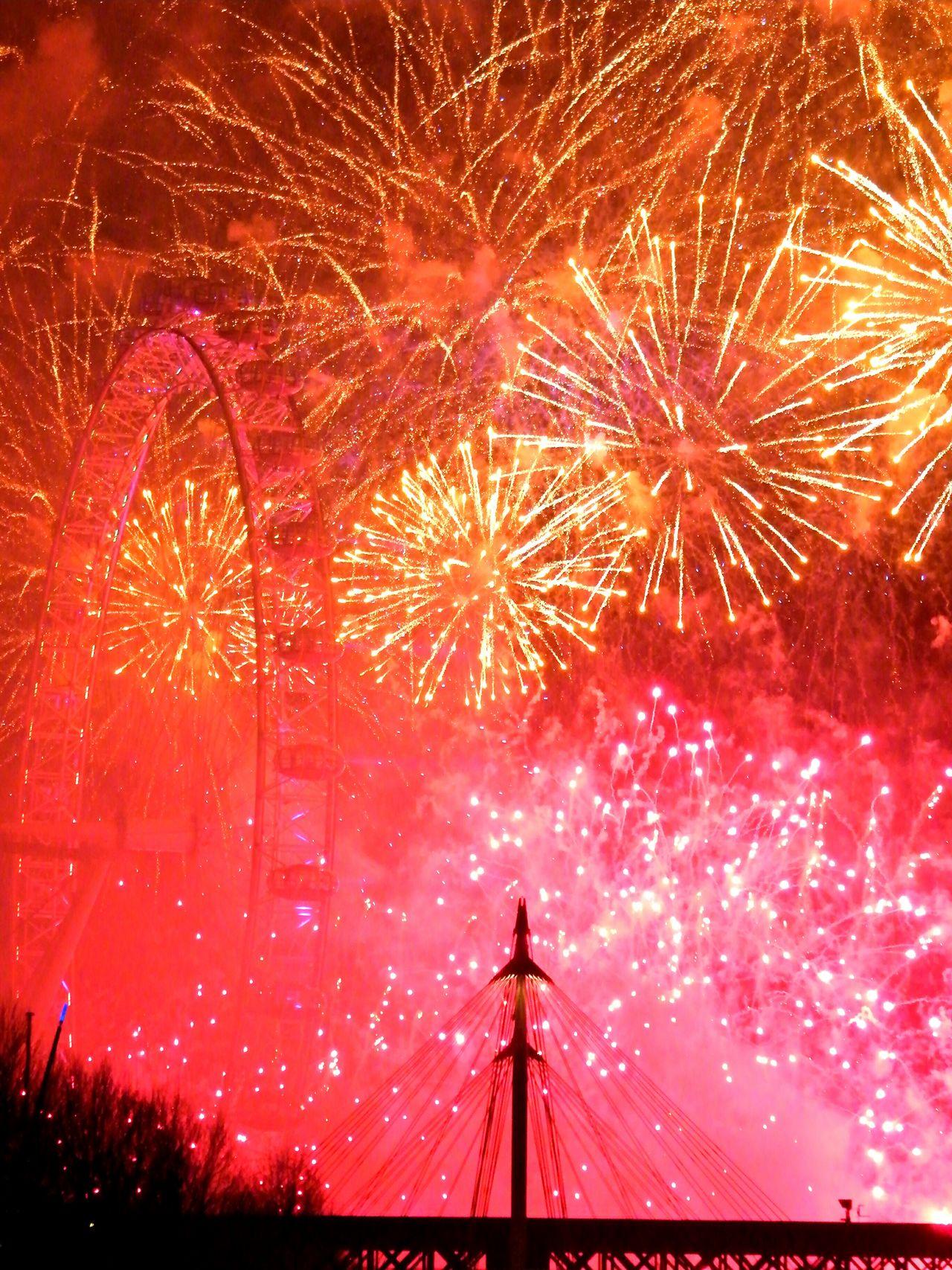 My Year My View London LONDON❤ London Eye Firework Fireworks Multi Colored Firework Display Illuminated Ferris Wheel Exploding Sky Night Firework - Man Made Object No People Event Motion Great Britain Großbritannien Feuerwerk Explosion Celebration