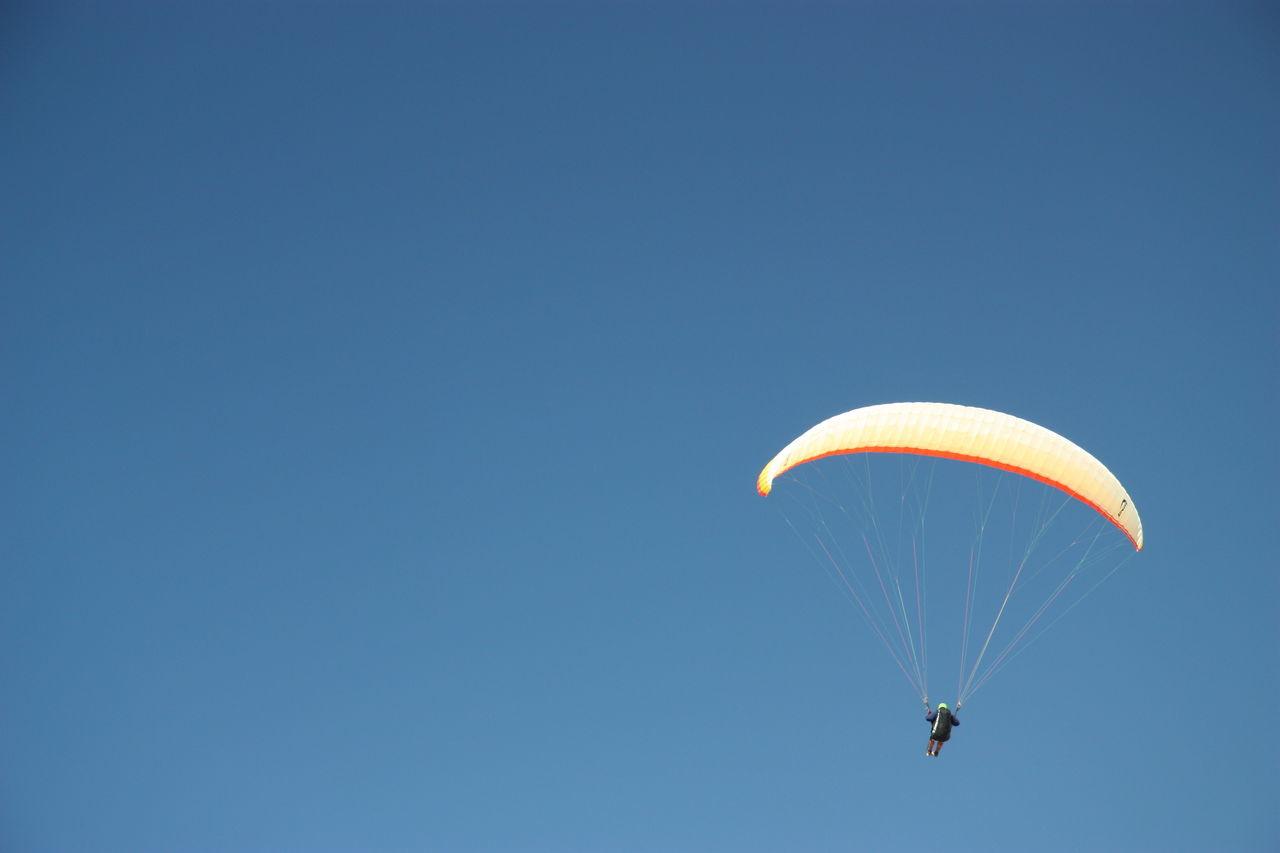 ASA At The Beach Aviate Bougie Carefree Clear Sky Enjoyment Fleet Flow  Fly Fun Gliding Leisure Activity Paraglider Paragliders Paragliding Parasail Parasailing Parasailor Sail Skydiving Summer Vela Wind Wing