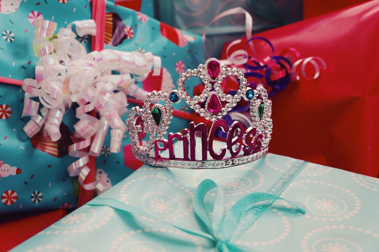 Beautiful stock photos of princess, Birthday, Birthday Present, Box - Container, Celebration