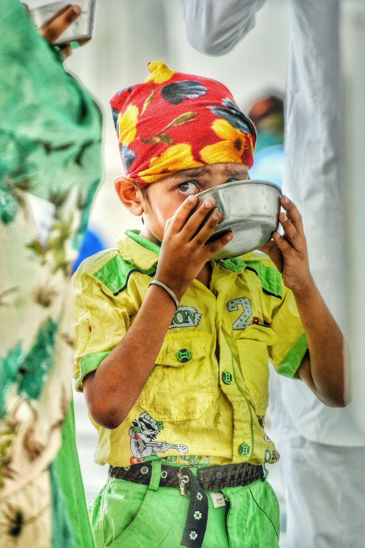 Seeking Drinkingwater Colourful Child Golden Temple EyeEm Best Shots Eyeemphotography Live For The Story