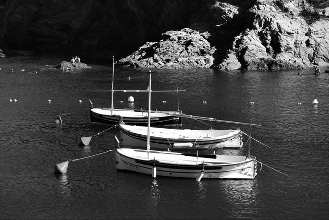 On The Beach Fishing Boats Blancoynegro Blackandwhite Eye4black&white  EyeEm Black&white! Blackandwhite Photography Bnw_collection EyeEm Bnw Bnw