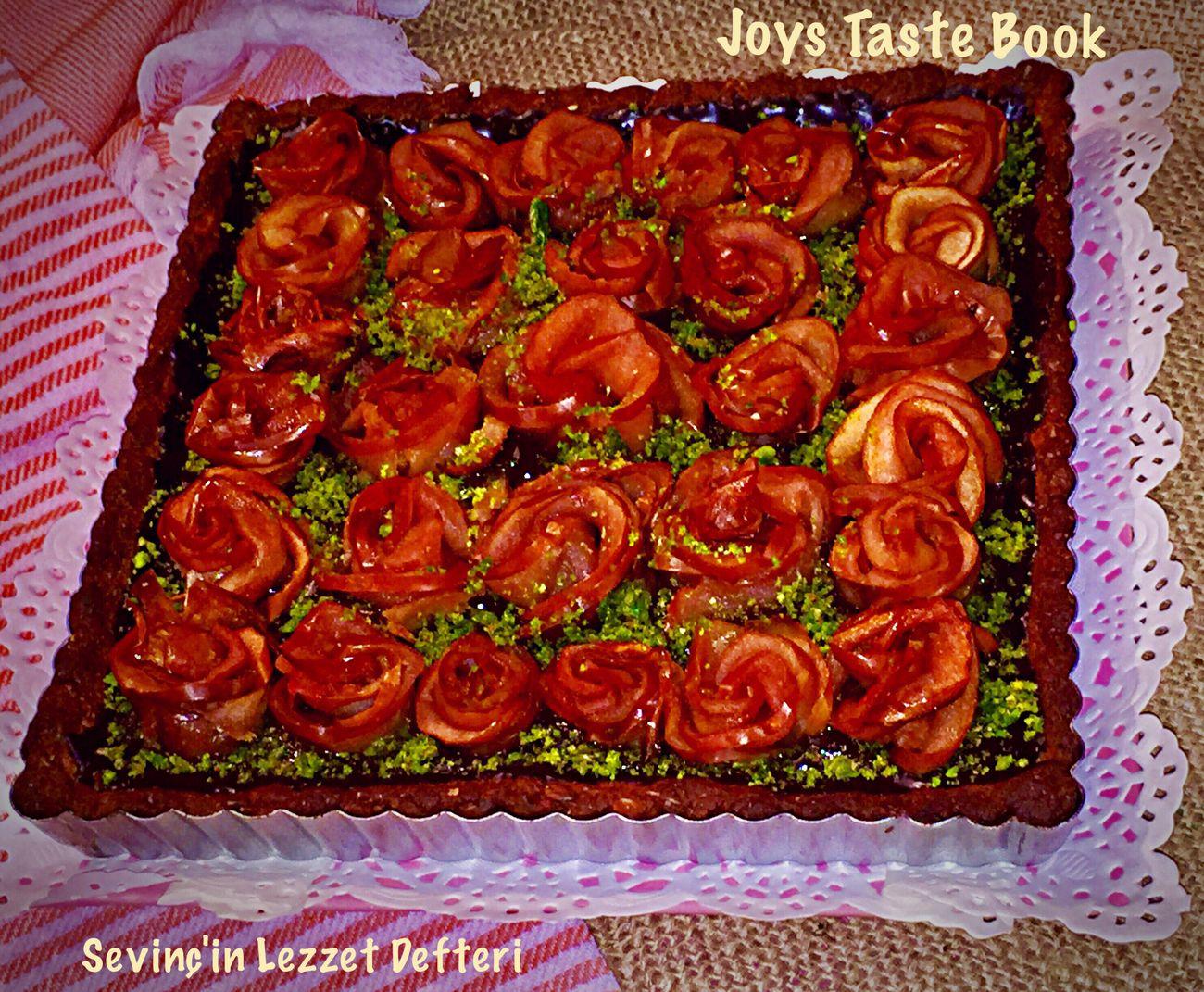 ❤️ Güllü Tart 🌹 harika oldu 😋👌🏿🔝😋👍🏿 Food Food And Drink çikolata Tart Rosé Red Chocolate Delicious Yummy Foodphotography Istanbul Turkey SevinçinLezzetDefteri JoysTasteBook Lezzet Küpü Dessert çikolatalı Like4like Sweet Food Foodblog EyeEm Best Shots Enfes EyeEm Gallery SevinçYiğitArabacı Lezzet