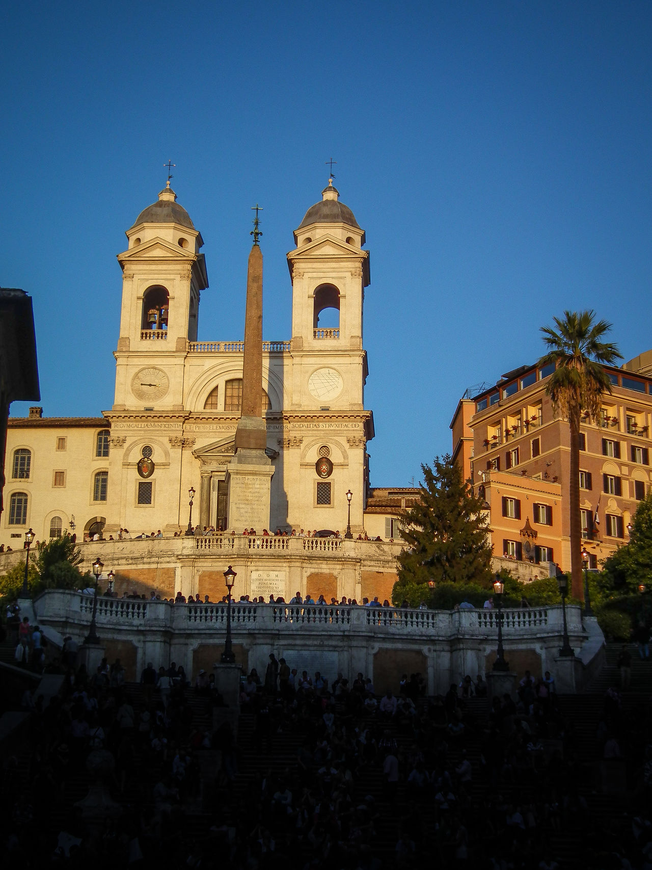 Architecture Baroque Style Building Exterior Built Structure Clear Sky Day Evening Light Itala Italie Italien Italy Italy❤️ Italy🇮🇹 Large Group Of People Low Angle View Outdoors Place Of Worship Religion Rom Roma Rome Scalinata Spirituality Travel Destinations Trinitademonti