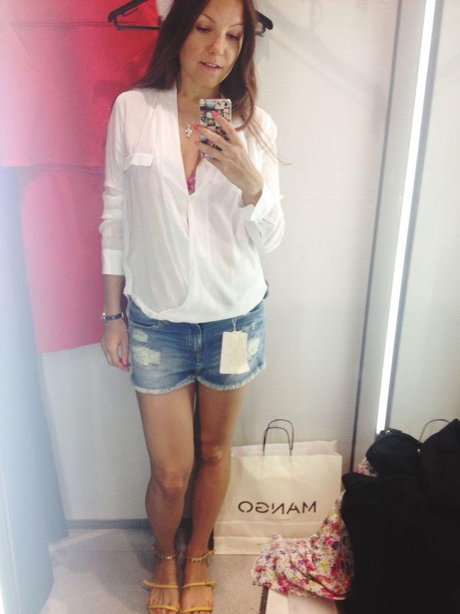 In A Shop Self Portrait Selfie ✌ Fitting Room Fitting Fittingroom In A Fitting Room In The Fitting Room Young Women Fashion Shopping ♡ Shopping Mall Shopping Time Girl
