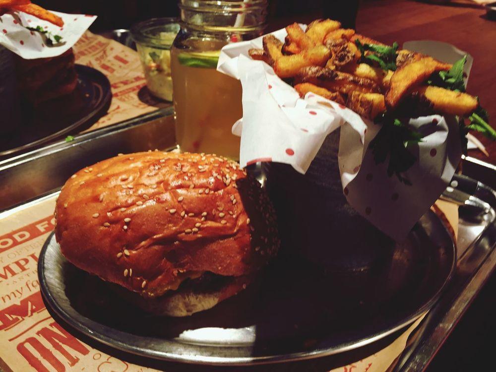 Burger Burgertime Homemade Lemonade Fries