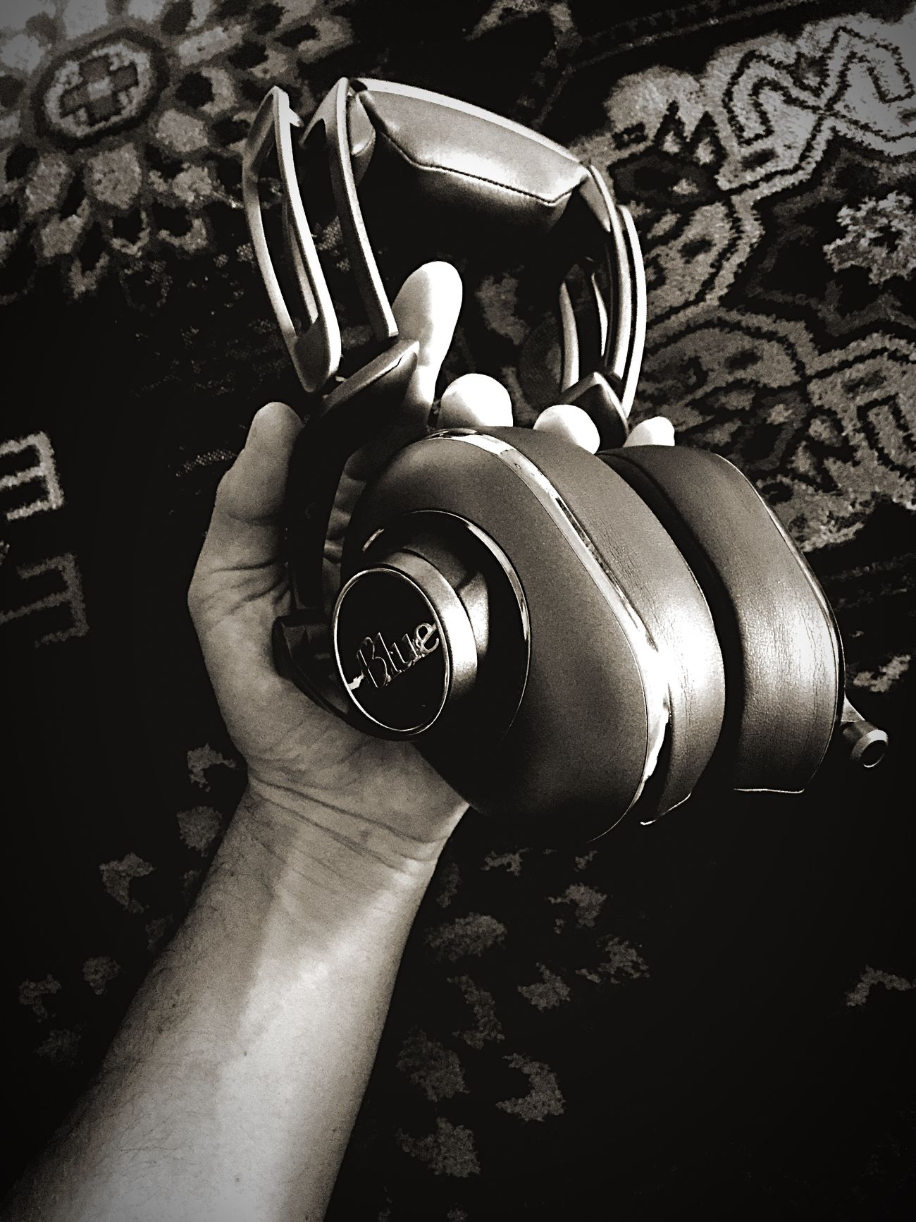 Mo-Fi Headphones by Blue Microphones Mayfair