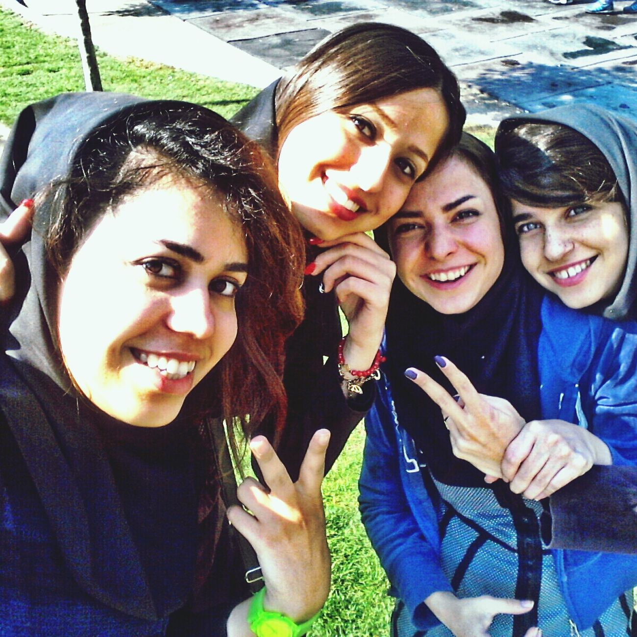 ye roooze khooob Moalana Uni Happy Friends ツ