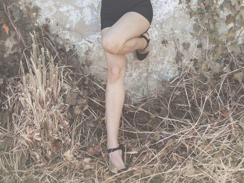 stand on ur feet! Fashion Portrait The Street Photographer - 2015 EyeEm Awards The Portraitist - 2015 EyeEm Awards The Fashionist - 2015 EyeEm Awards Galicia Legs Vintage Galifornia EyeEm Best Shots