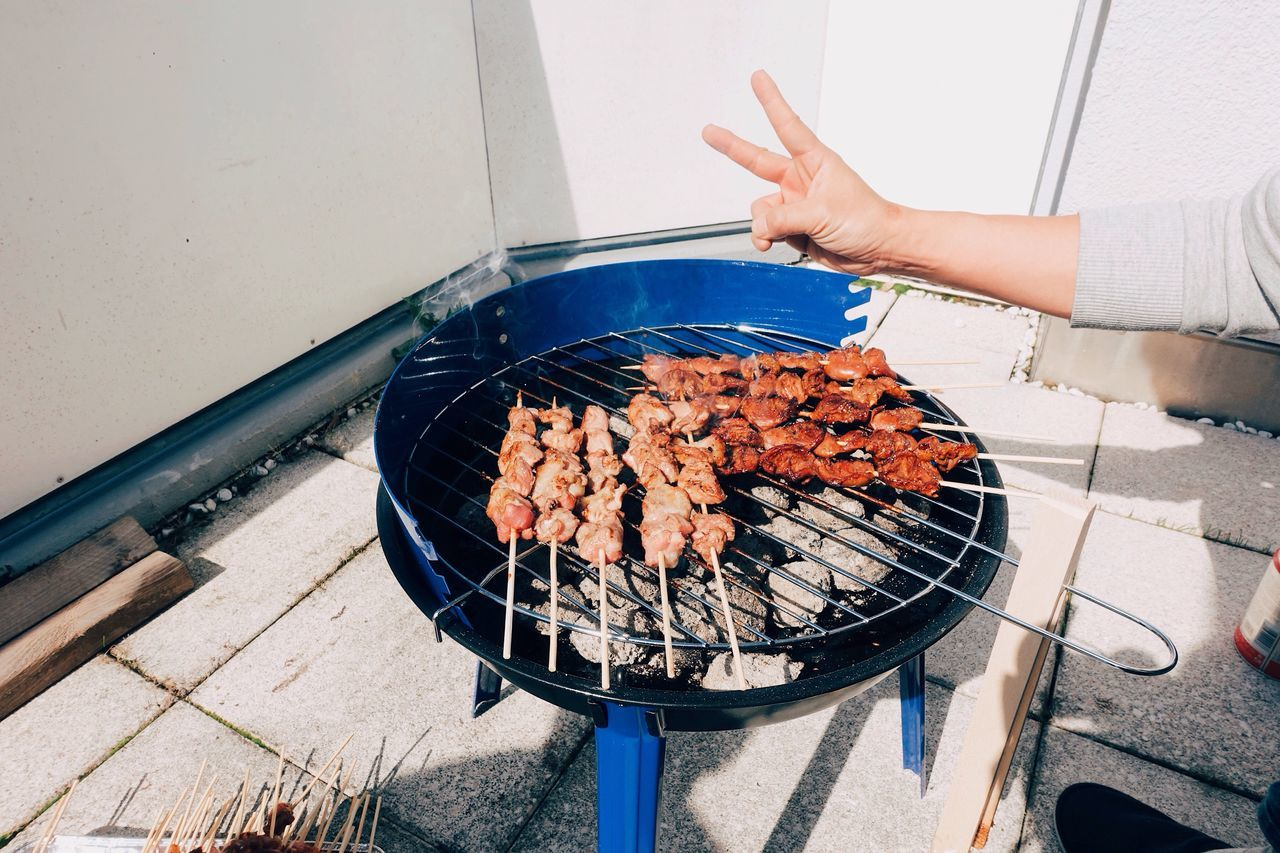 Hello Spring 🍾🍢//. Food Foodporn BBQ High Angle View Meal Friends Party Human Hand Freshness Sunshine Enjoying Life Enjoying The Sun One Person Food And Drink Foodie Spring Life Lifestyles Sunlight Day Human Body Part Real People Outdoors Weather Happy