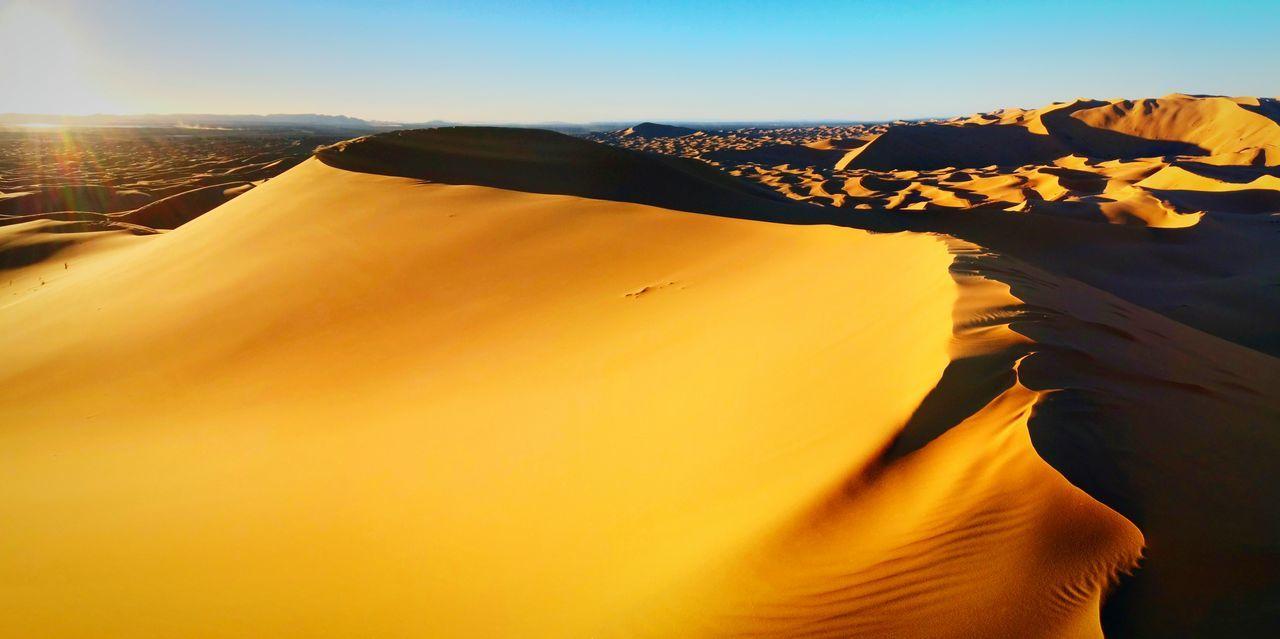 Deserts Around The World Desert Moroccan Sahara Dunes Of Merzouga Sand Dunes Dunes Morocco Merzouga Sunset Walking Sand Sunset #sun #clouds #skylovers #sky #nature #beautifulinnature #naturalbeauty Photography Landscape [a:2856] Nature Photography Nature Beautiful Meandyou Onlymeandyou Alone Cold Beautifu Desert Beauty Desert Life Merzouga Sahara Desert Trippin Moroccan MoroccoTrip