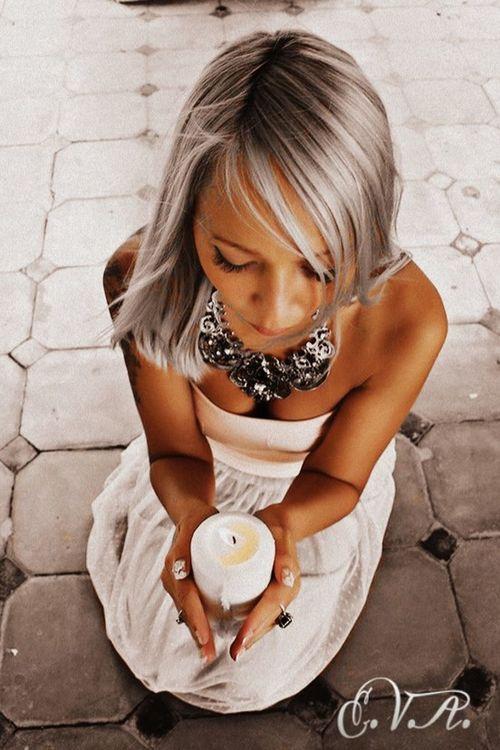 Girl свеча