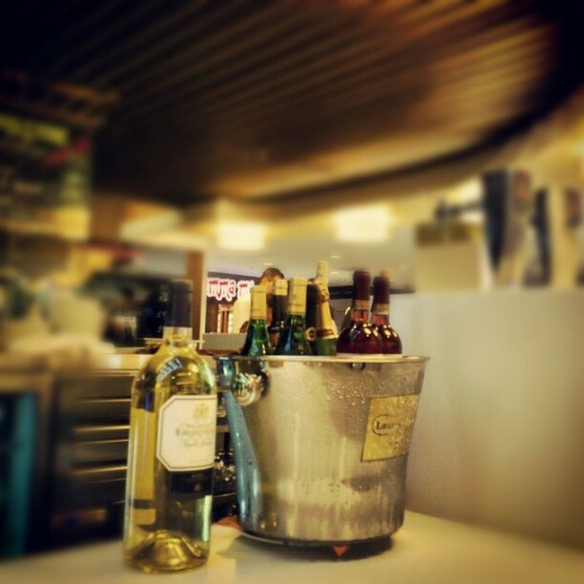 Bucket of AssoRted kinds of White and Red wine purto_banus el_Corte_ingles cafeteria marbella sparkling