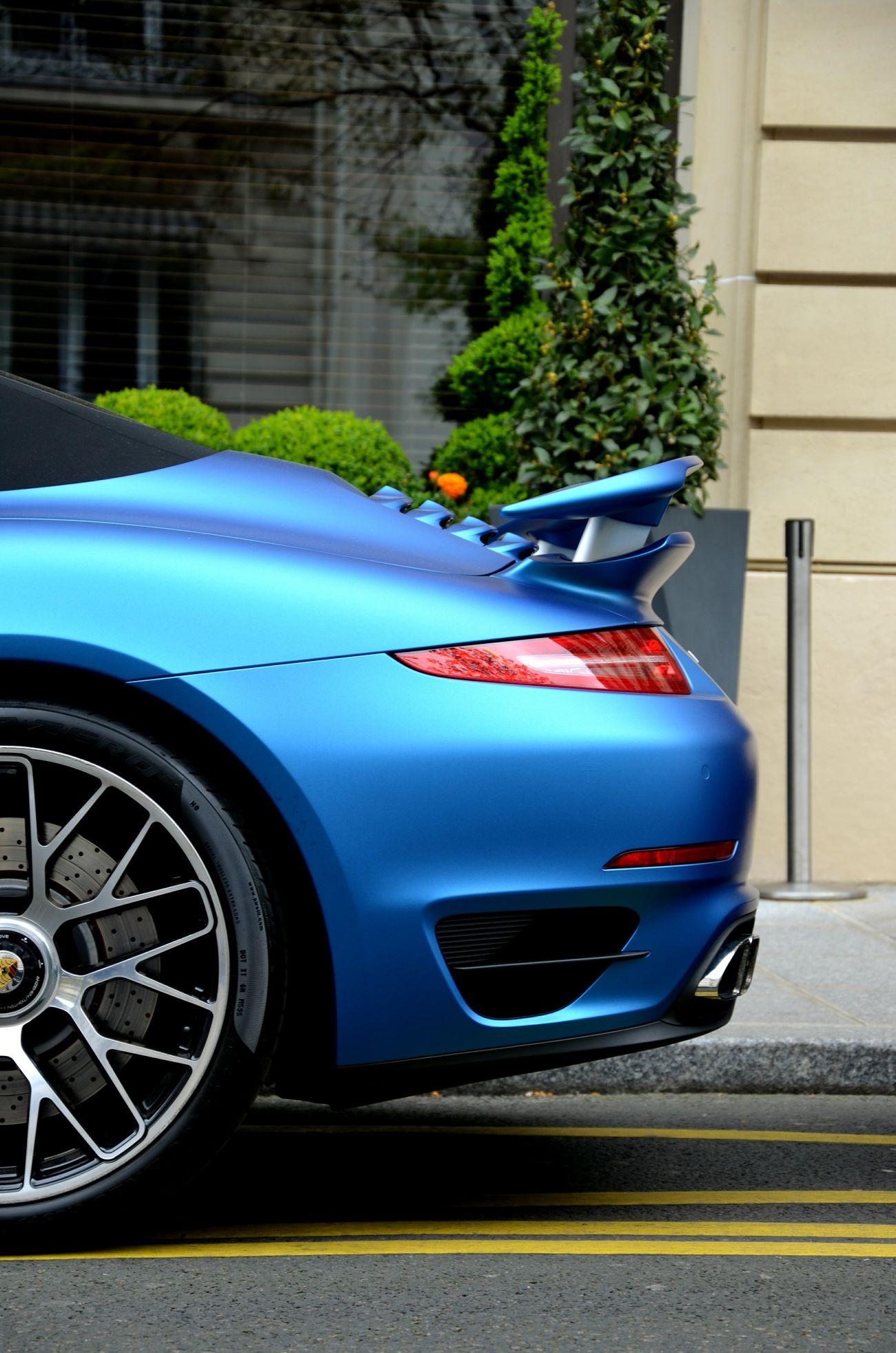 Porsche Carrera 911 S Cabriolet. Paris. 11.04.15 Porsche Carrera 911 Paris Carspotting D5100 Nikon Carphotography