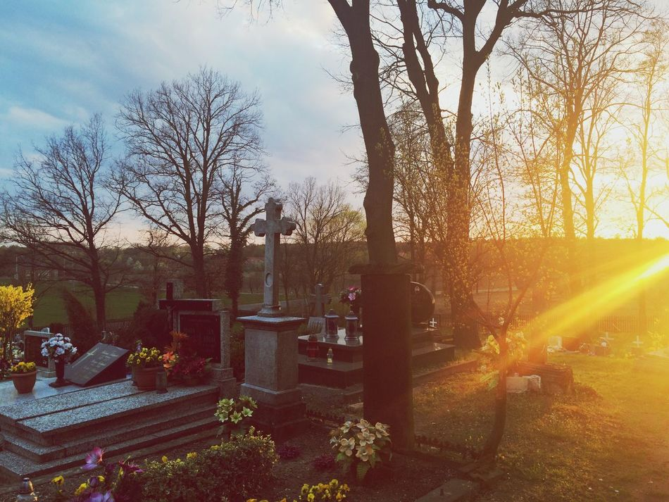 """Święty Marek Beautiful Place Sad Day Cemetery Sunset Evening Myself Deep Breath Memories """" bo tylko tu dokładnie widzę swoją przyszłość, tylko śmierć jest pewna"""""""