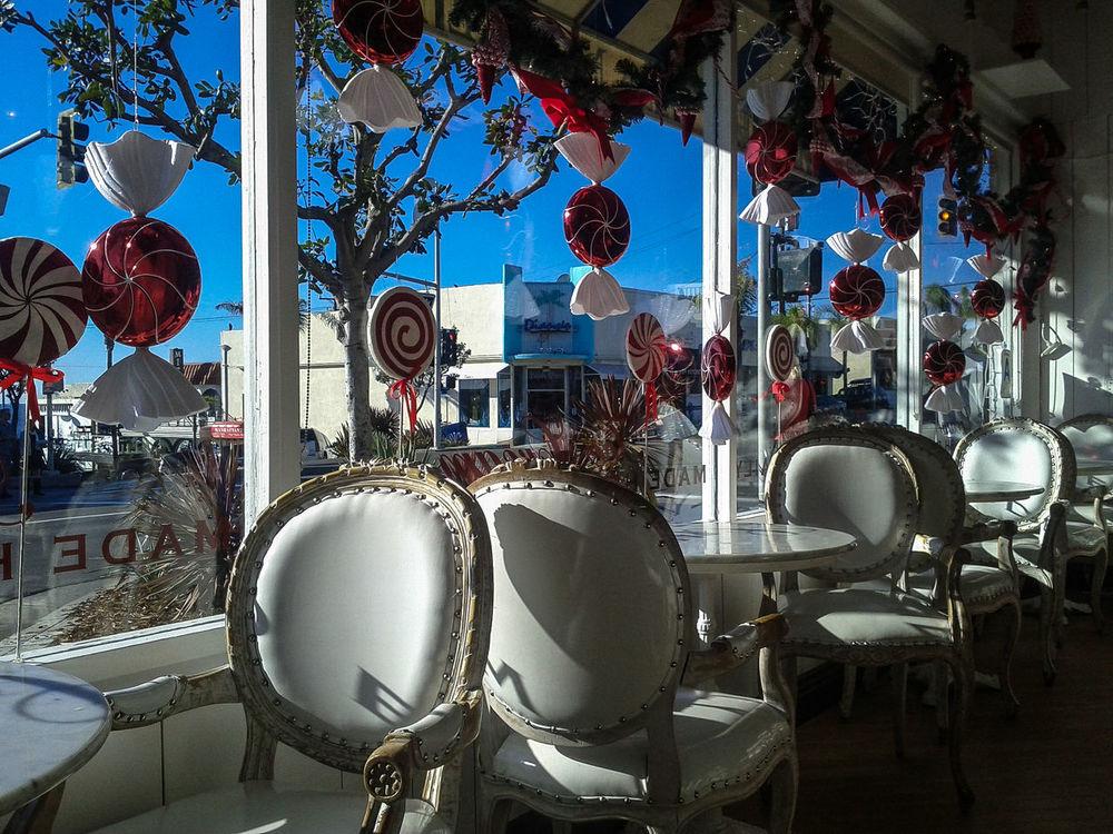 California Candyshop Christmas Decorations Decorations Empty Chairs Ice Cream Parlor Ice Cream Shop Windows