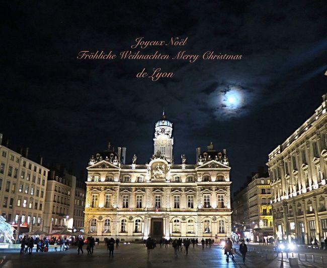 Joyeux Noël MerryChristmas Fröhliche Weihnachten Noël Christmas Around The World Hello World Eyelyon Streetphotography Heritage Croixrousse City Life Lyon