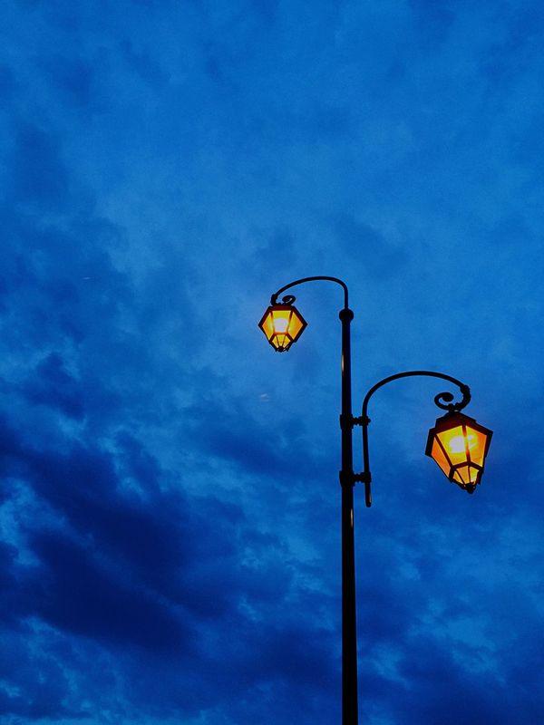 路灯 Sky Maroc Morocco 拉巴特 Rabat Blue Bleu 蓝色 Evening Sky