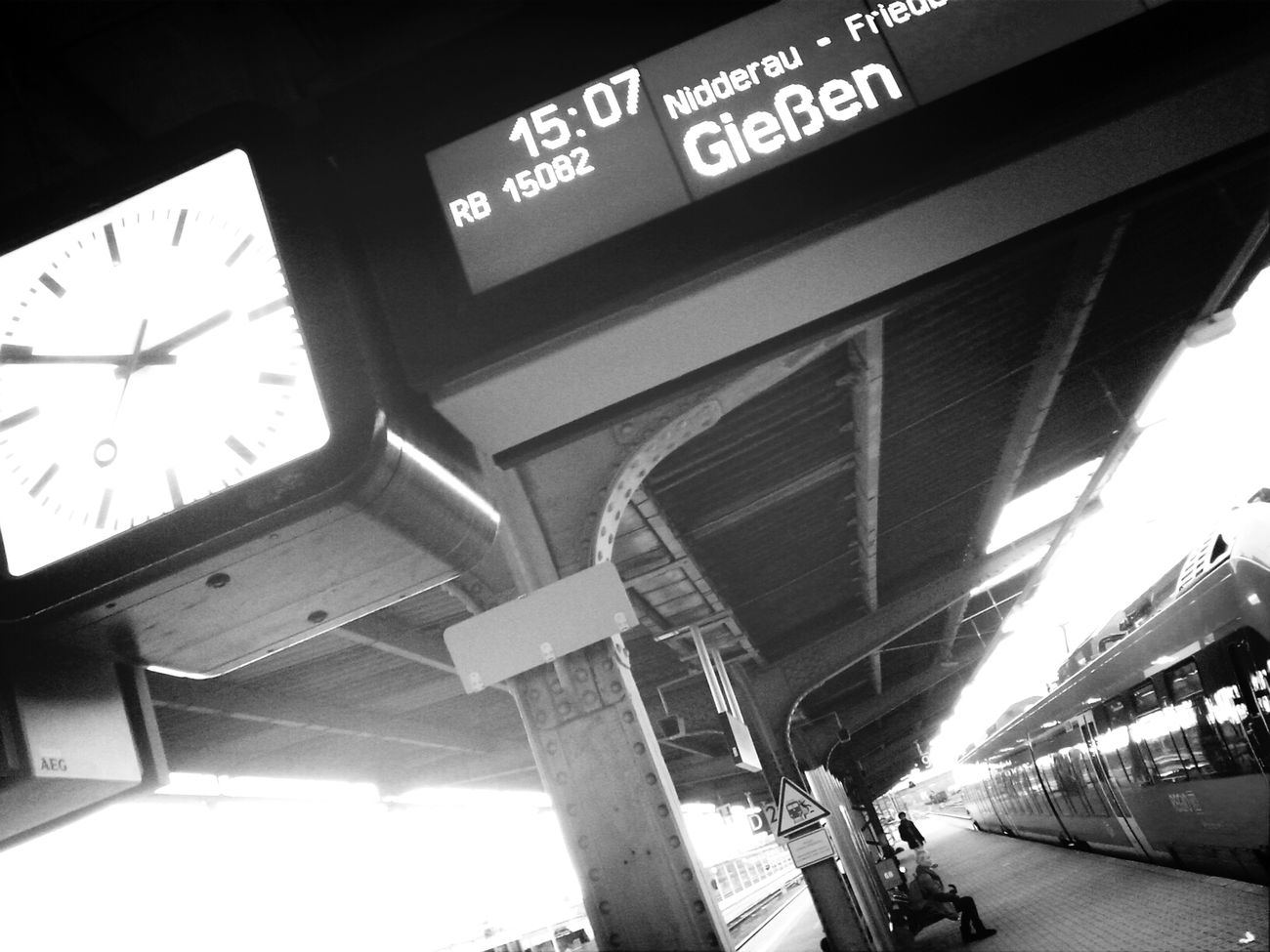 AMPt - My Perspective Bw_collection Mittelhessen-Express Hanau Hauptbahnhof