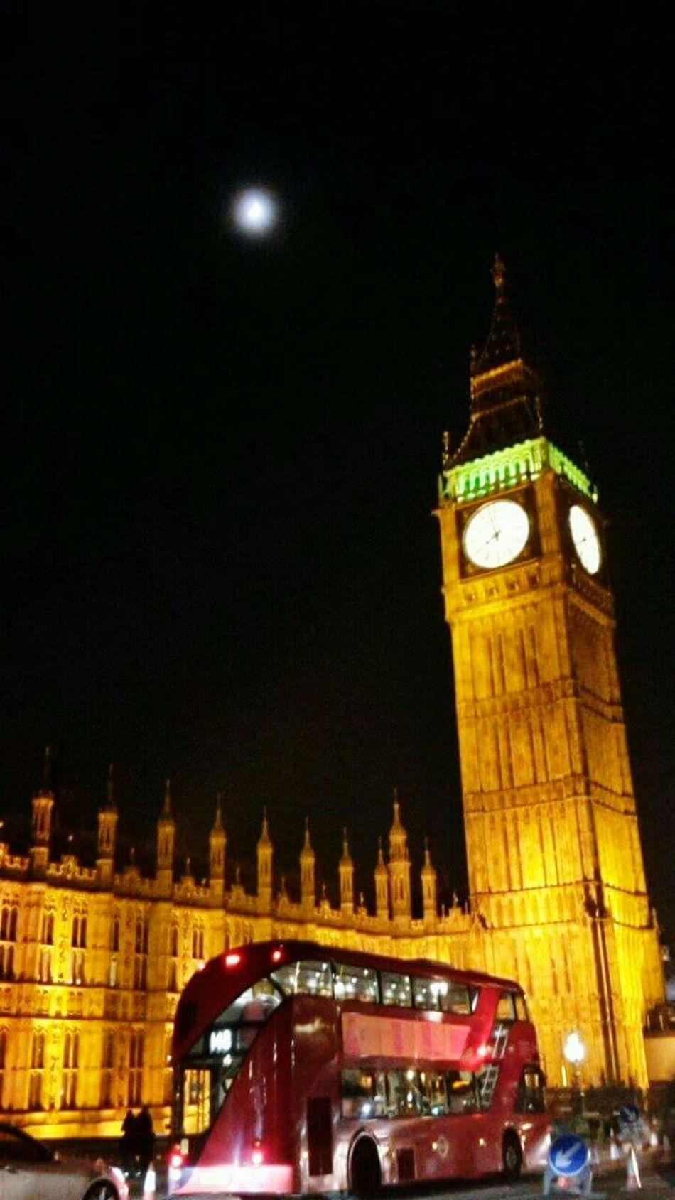 LONDON❤ Night Clock Tower Clock Illuminated Travel Destinations City Architecture Moon Londonbus Big Ben
