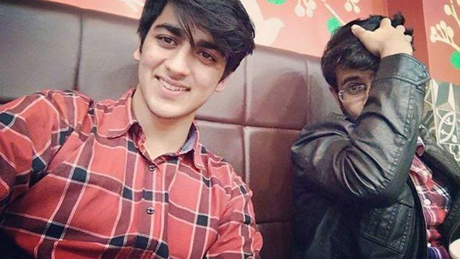 Sorrryyy bhaii ! Not dat badd ..😝🙉@aayushmehta95 Exam Days  College Afterexam Evening Fun Happyfaces Badass Brothers 50thpost