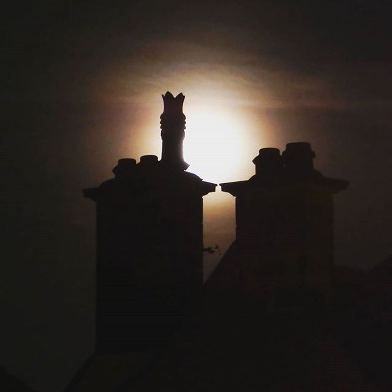 Bloodmoonrising Bloodmoon Lunar Moon Lunareclipseuk Chimneystack Northeastcaptures NORTHEASTENGLAND
