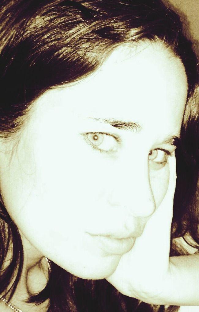 Hello ❤ Me!!! Selfie✌ Faces Of EyeEm That's Me! Rostros Femeninos Mis Ojos*-* 😊